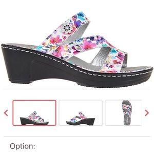 Alegria Wedge Sandals. Size 7